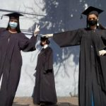 """""""Lo logramos"""": Egresados de medicina de la UCLA recibieron títulos por secretaría y bajo estrictas medidas"""